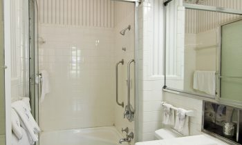 Four Basic Bathroom Safety Ideas for Your Aging Adult